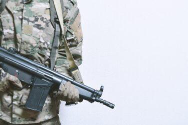 駐在員は派遣兵士、現地採用は傭兵
